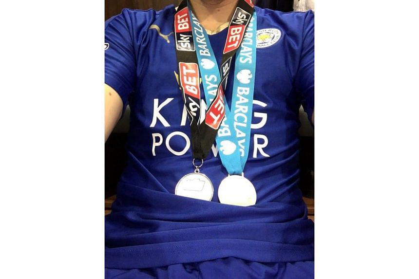 Ritchie de Laet posted a photo of his two medals on Twitter.