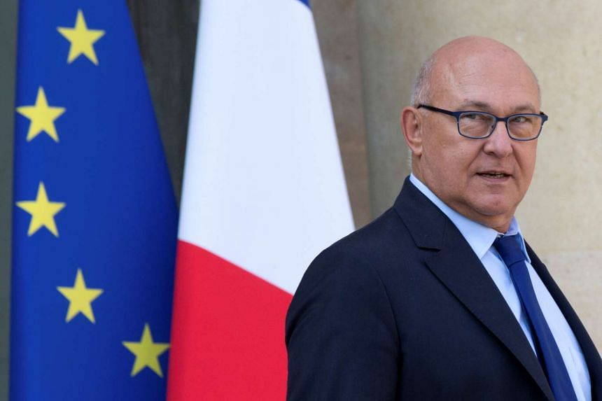 French Finance Minister Michel Sapin has admitted to acting inappropriately towards a female journalist.