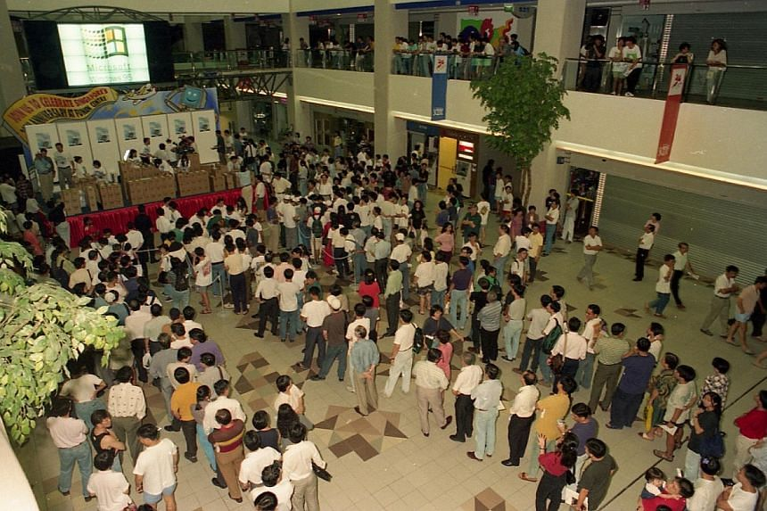 Aug 23, 1995: At the launch of Win95, Microsoft here prepared only 400 copies and had to send out trucks for more. At the final tally, 1,400 copies had been snapped up. May 15, 2012: On the day that Diablo III was launched here, it sold 35,000 copies