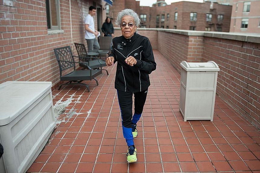 Great-great- grandmother Ida Keeling holds the fastest time for American women aged 95 to 99 in the 60m dash. On April 30, she broke the world record for centenarians in the 100m dash.