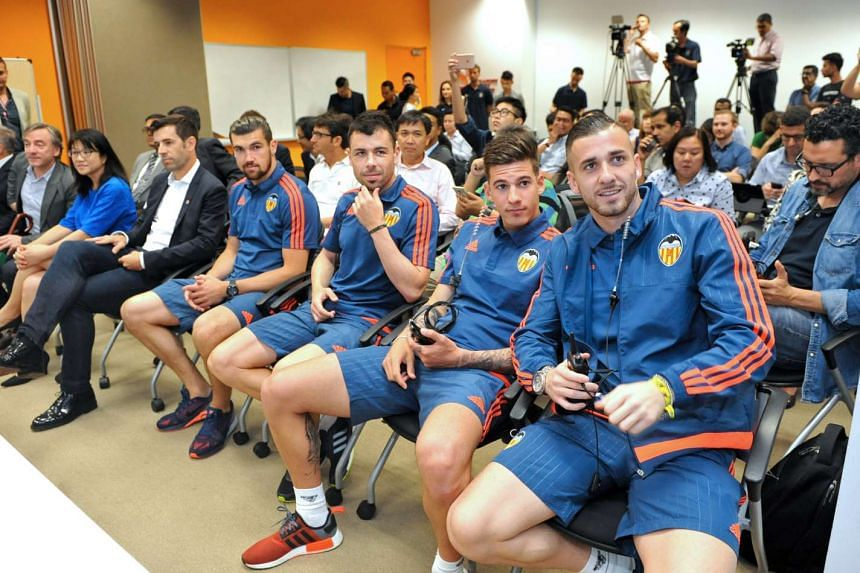 Current and former Valencia players (from right) Jaume Domenech, Santi Mina, Javi Fuego, Mathew Ryan and David Albelda at the press conference on May 18, 2016.
