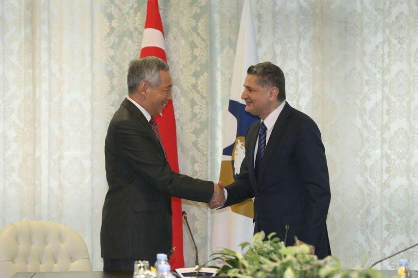Prime Minister Lee Hsien Loong and Mr Tigran Sargsyan, chairman of the Eurasian Economic Commission in Moscow, on May 18, 2016.