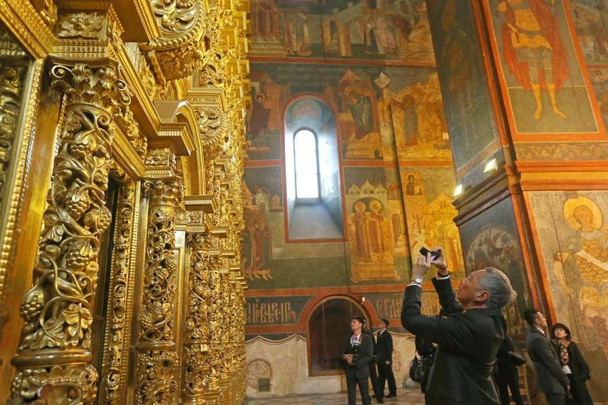 PM Lee Hsien Loong visits the Smolensky Cathedral in Novodevichy Convent.