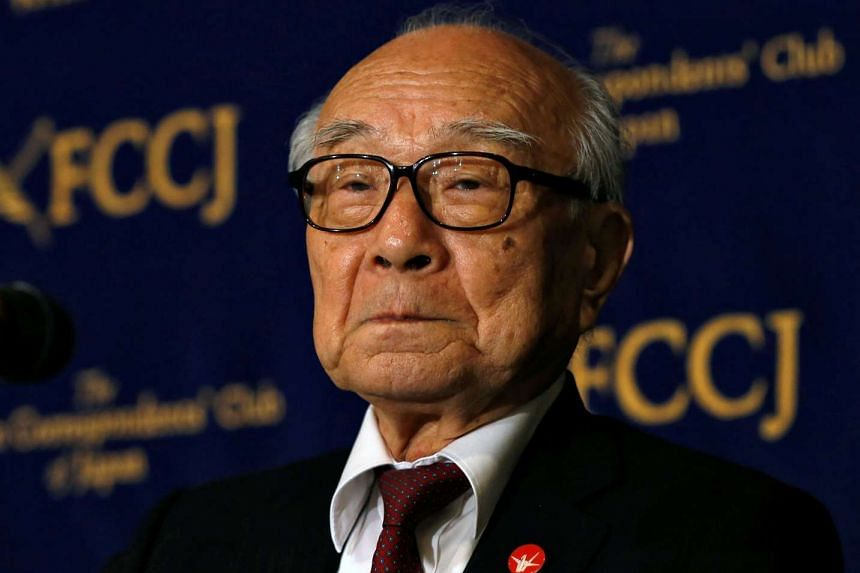 Terumi Tanaka, a survivor of the atomic bombing and head of Nihon Hidankyo, attends a news conference at the Foreign Correspondents' Club of Japan in Tokyo, on May 19, 2016.