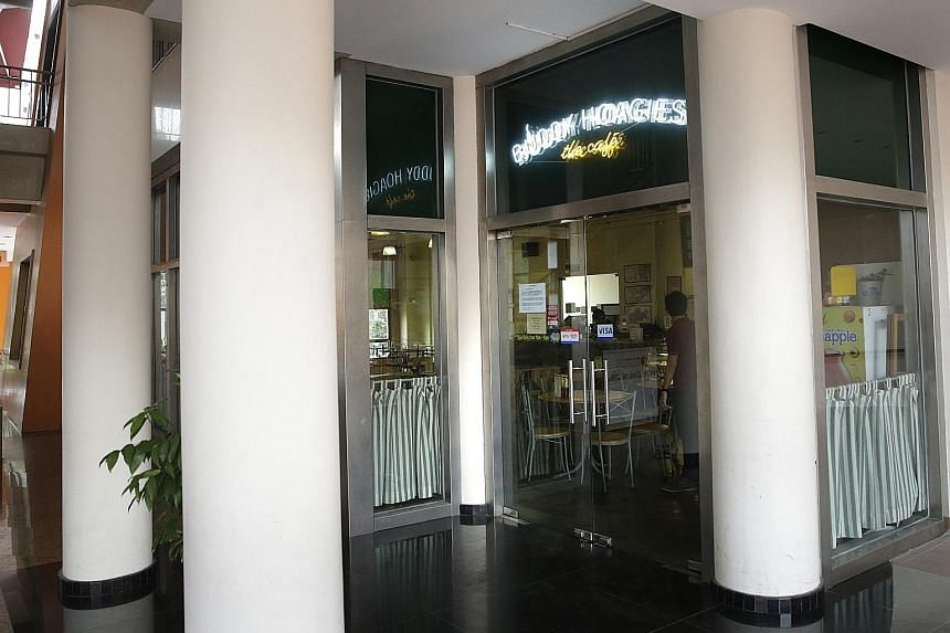 The Buddy Hoagies Cafe and Grill has been serving its Western favourites at Nee Soon South Community Club since 2004.