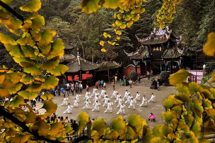 Dynasty Travel's tour to South Korea in August includes a visit to the Petite France village. More KrisFlyer miles are needed to redeem a business class seat to Amsterdam. Join a taiji session at Puzhao Temple in Chengdu when you stay at the Six Sens