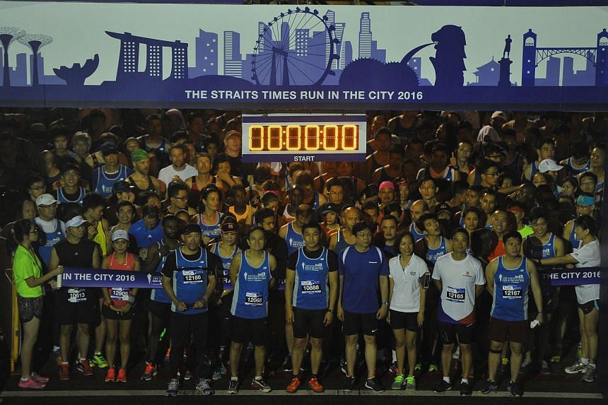 Participants get ready for the 10km race.