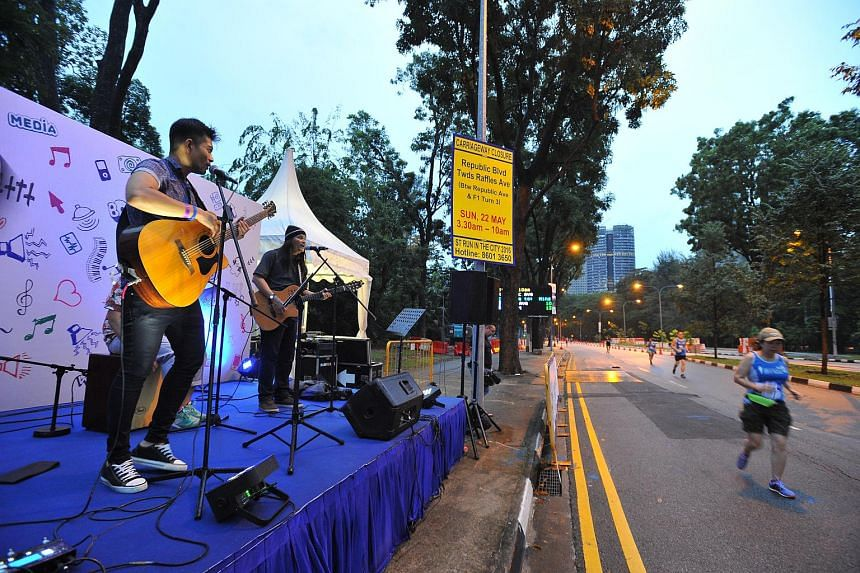 Live band, Shukor and Friends perform at Entertainment Zone 1.
