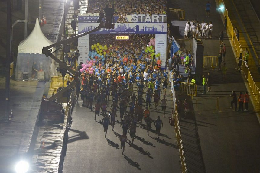 Flag off during the 18.45km race of ST Run 2016.