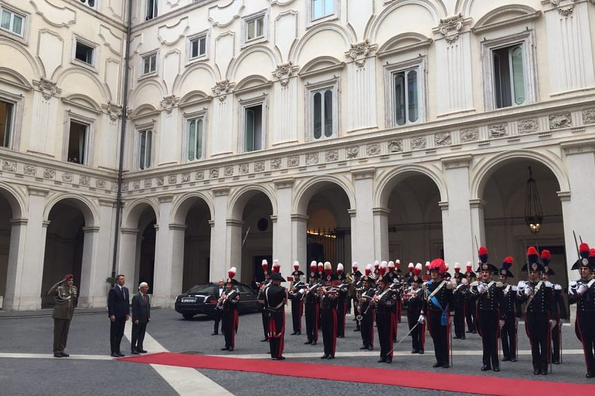 Day 1: Italian Prime Minister Matteo Renzi officially welcomed President Tony Tan Keng Yam at the Palazzo Chigi on Monday (May 23) afternoon.