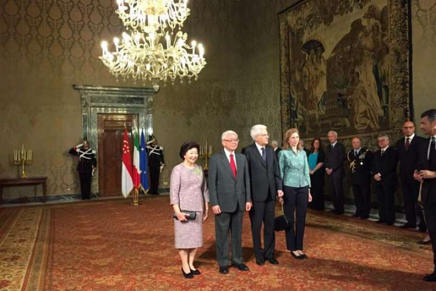 President Tony Tan, Italian President Sergio Mattarella and their wives pose for a group photo inside the palace, before greeting members of the Singaporean and Italian delegations for the state visit.