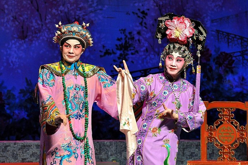 Frances Wong (left) plays Emperor Guangxu in the opera and See Too Hoi Siang (right) the concubine Zheng Fei.