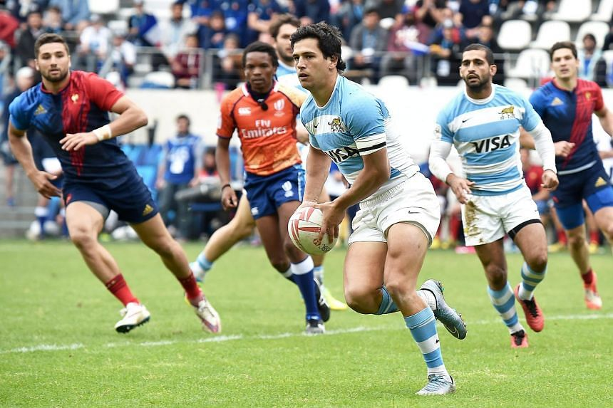 Matias Moroni (centre) of Argentina in action during the World Rugby Sevens Series match between France and Argentina in Paris, France on May 14.
