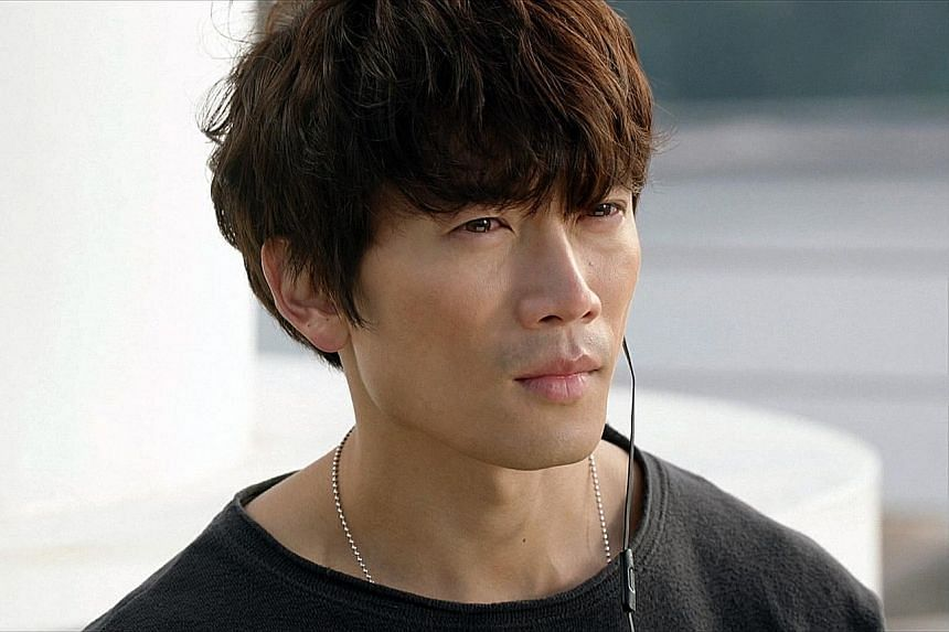 Headline actors Chen Bo-lin and Song Ji Hyo on We Are In Love. Ji Sung shines with the magnetism of a rock star in Entertainer.