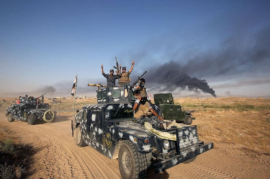 Iraqi government forces heading towards Fallujah on Monday. Any ground battle to liberate the city will likely be long and bloody.