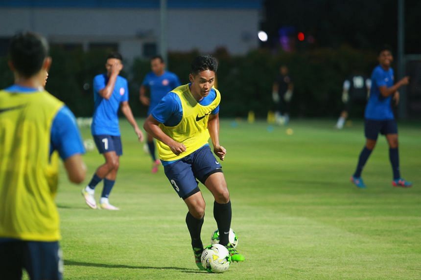Amirul Adli training with the Garena Young Lions squad. He and Adam Swandi were part of the SEA Games squad last year, and they were named in the U-21 squad for the Nations Cup next week. Former Cubs from the 2010 YOG are also included.