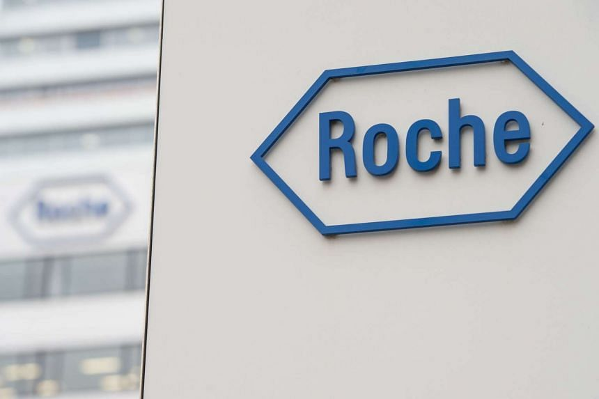 "Swiss drugmaker Roche has dropped out of a high-profile project to develop an antibiotic for treating ""superbug"" infections."