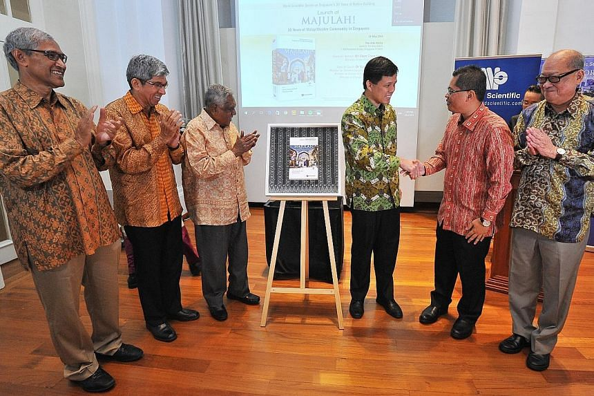 (From left): The book's co-editor Zainul Abidin Rasheed, former senior minister of state for foreign affairs; Dr Yaacob Ibrahim, Minister-in-Charge of Muslim Affairs; former President S R Nathan; Mr Chan Chun Sing, Minister in Prime Minister's Office