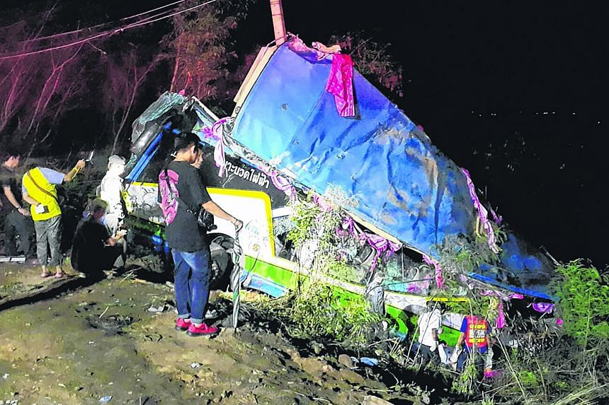 One passenger was killed and 30 others injured in an accident involving a tour bus, a van and a pickup truck on a mountain road in Nadi district in Thailand's Prachin Buri province yesterday. Captain Ponkhan Rattananet of Wang Khon Daeng police stati
