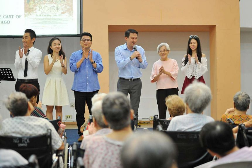 (From left) Mr Ryan Lian, Ms Charmaine Sei, Mr Jack Neo, Minister of State for Health Dr Lam Pin Min, Madam Ng Suan Loi, and Ms Cynthia Kuang on stage greeting the seniors at Ling Kwang Home for Senior Citizens.