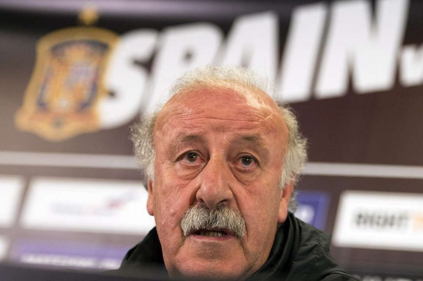 Spanish national soccer team head coach Vicente del Bosque speaks during a press conference in Salzburg, Austria, on May 31, 2016.