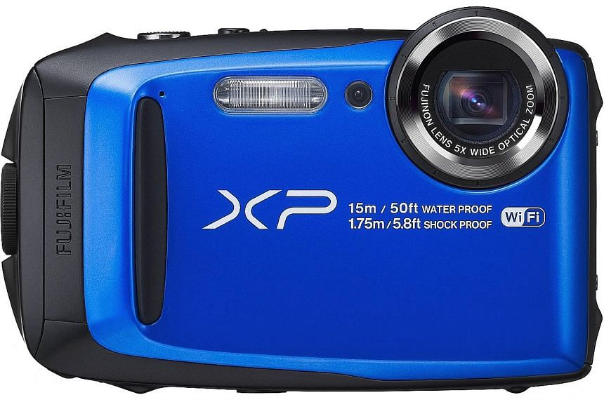 The rubber casing around the sides of the Fujifilm FinePix XP90 is capable of absorbing a fair bit of damage.