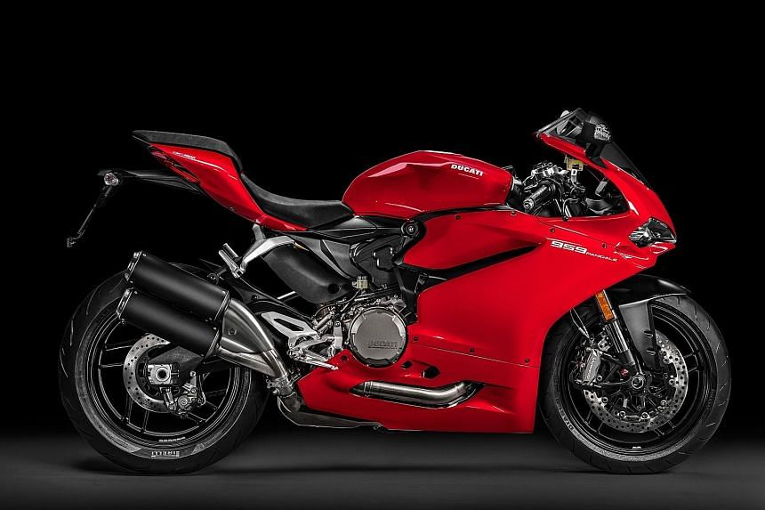The Ducati 959 Panigale comes with three riding modes: Sport, Race and Wet.