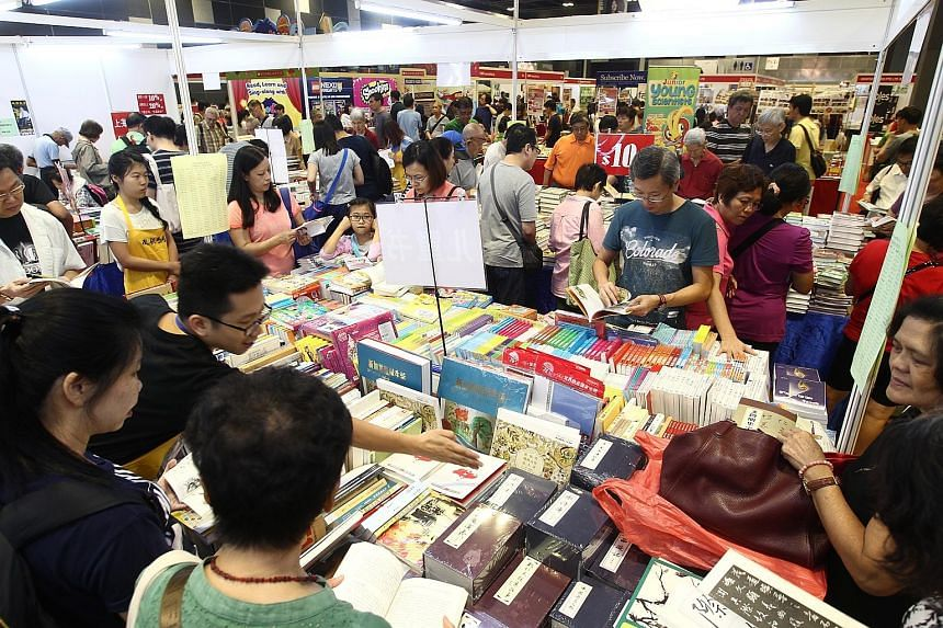 Customers at the Book Fair can not only enjoy discounts on English and Chinese books, but also get to participate in workshops on topics like soap making, sewing book covers, and Peranakan tile colouring. The Book Fair is in its 31st year and runs un
