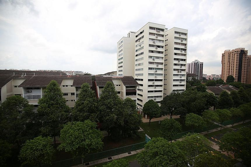 The Shunfu Ville estate was sold for $638 million last month, the first en bloc sale in nearly a year and the largest since 2007.