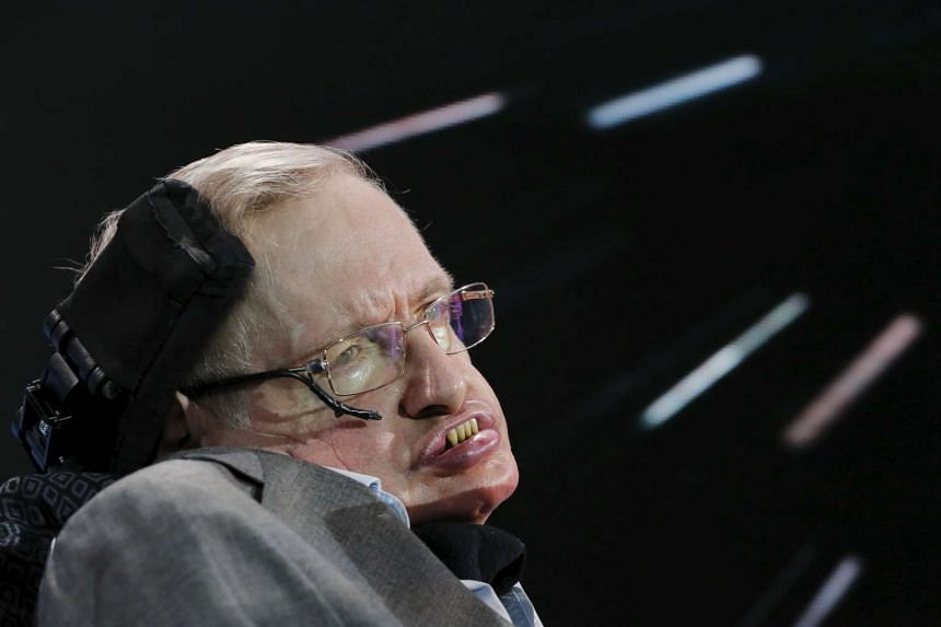 Stephen Hawking has sent his best wishes to mainland students who started taking China's university entrance examinations, on June 7, 2016.