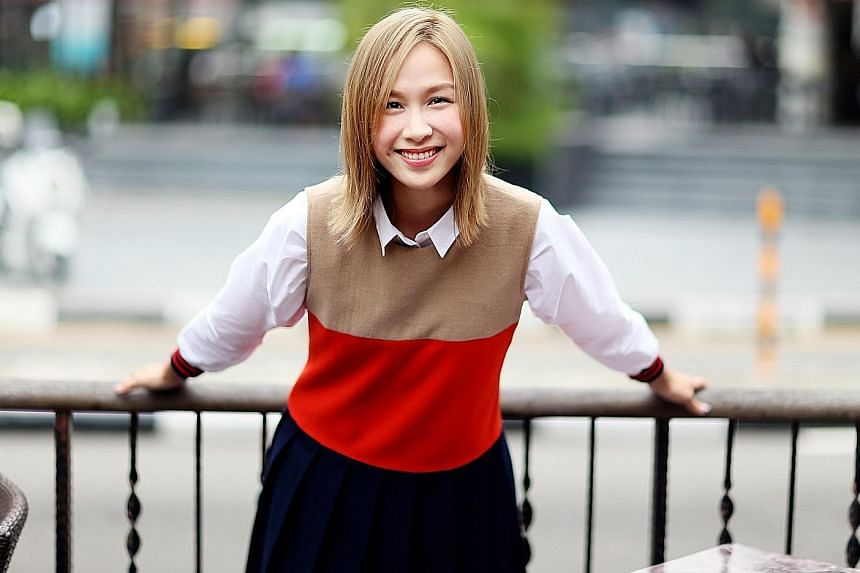 Ya Hui was once hugged by an auntie on the street who adored her role as wonton mee seller Hong Jinzhi in the drama 118.