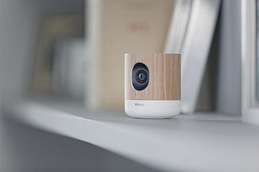 The overall package of the Withings Home looks elegant and blends easily into your house's interior and furniture.