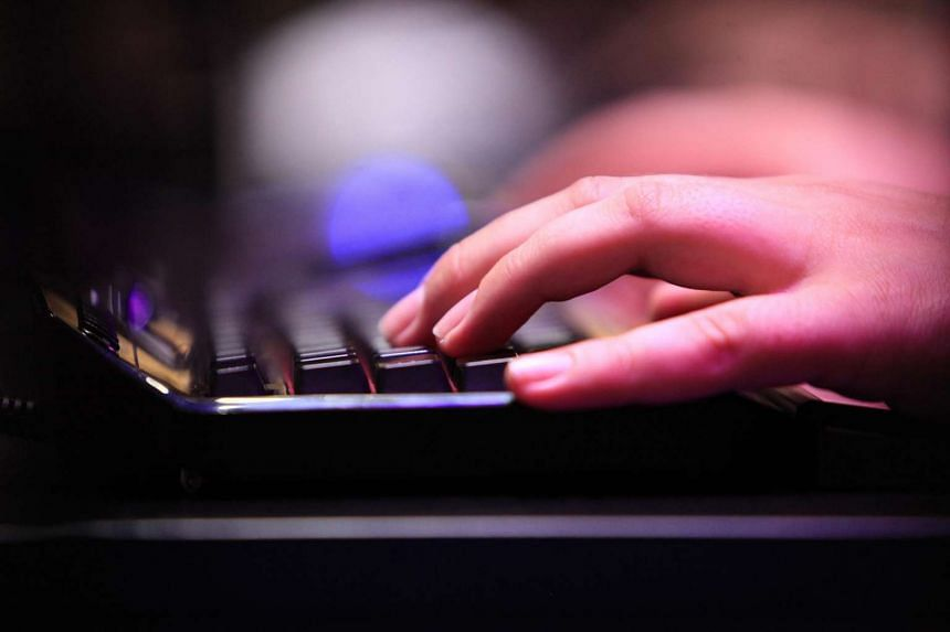 Teachers will still have Internet access on their work computers despite plans to cut off Internet access on official computers used by public servants next year.
