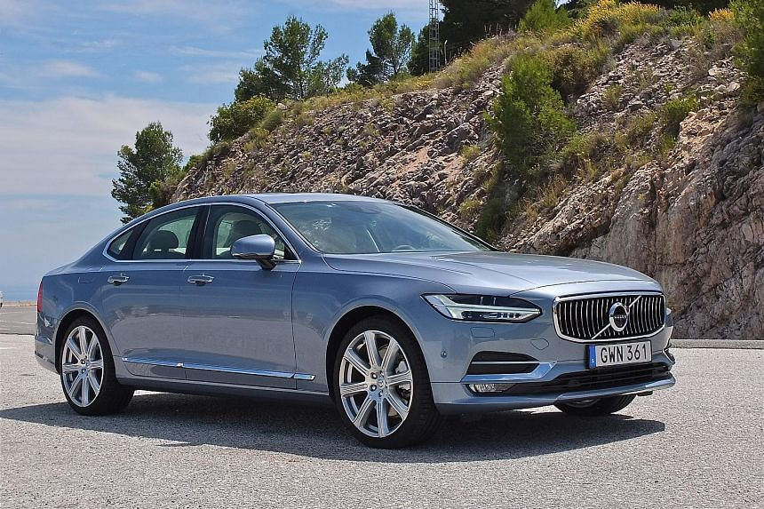 The cabin of the S90 is a study in Scandinavian chic.