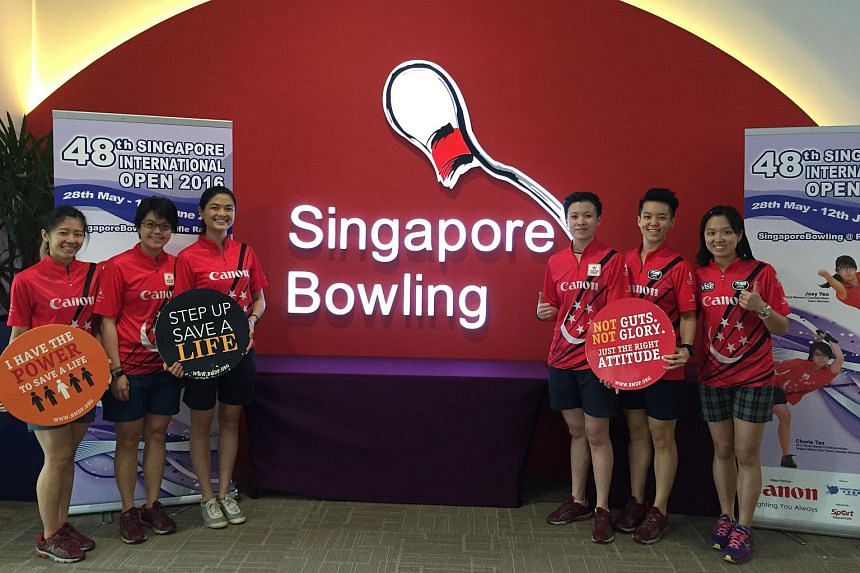 (From left) National bowlers Bernice Lim, Cherie Tan, Daphne Tan, New Hui Fen, Shayna Ng and Jazreel Tan took time off from the 48th Singapore International Open to register as bone marrow donors.