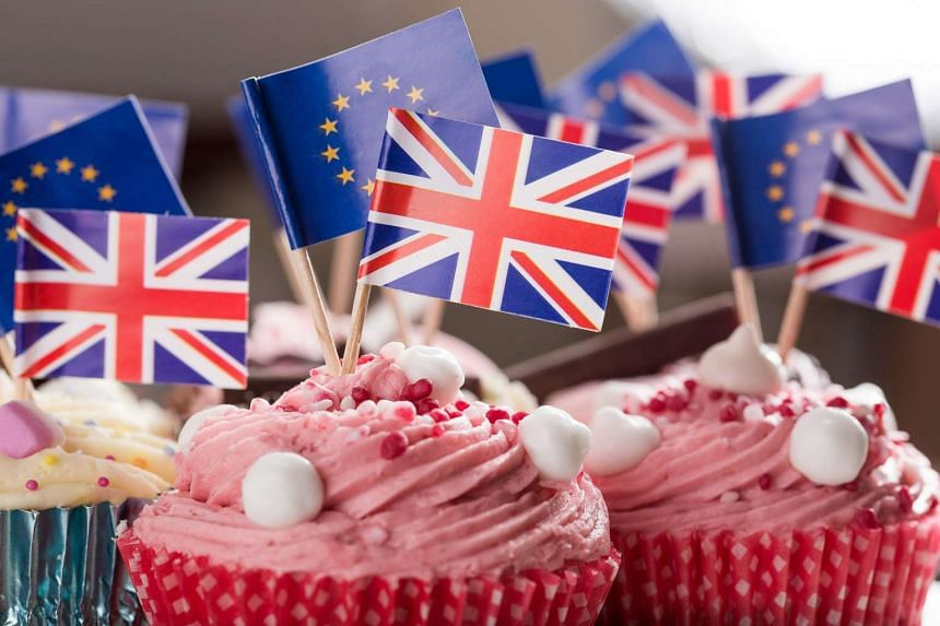 Cupcakes featuring the British and EU flags.