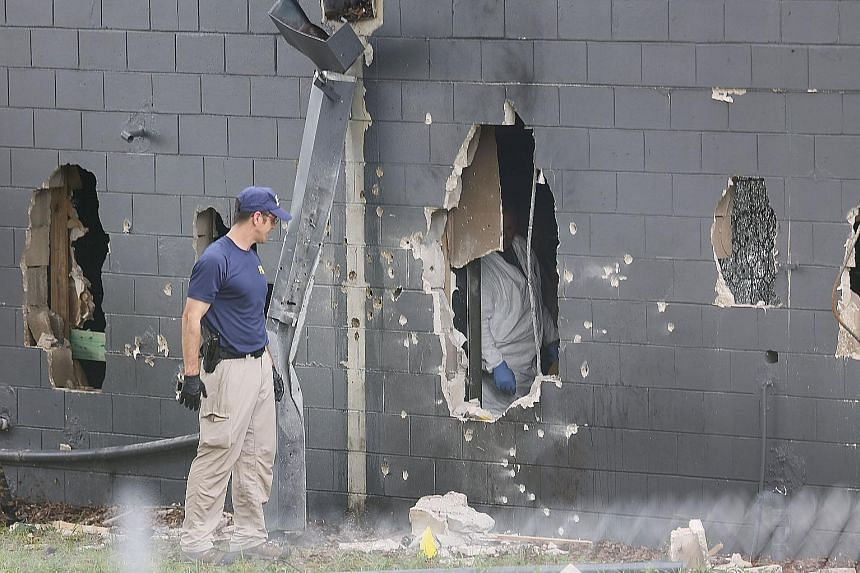 FBI agents conducting investigations at the Pulse nightclub in Orlando after the attack on Sunday.
