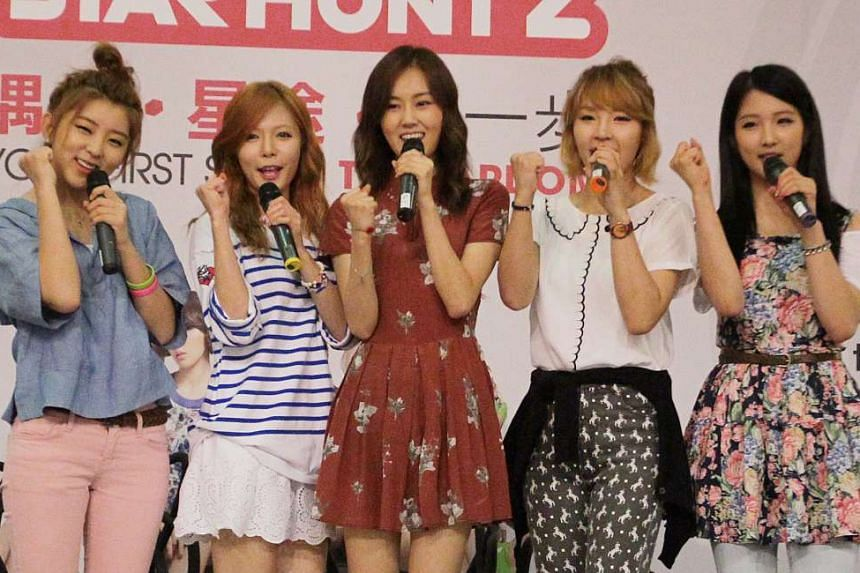 4Minute comprise (from left) Kwon So Hyun, Kim Hyun A, Heo Ga Yoon, Jeon Ji Yoon and Nam Ji Hyun.