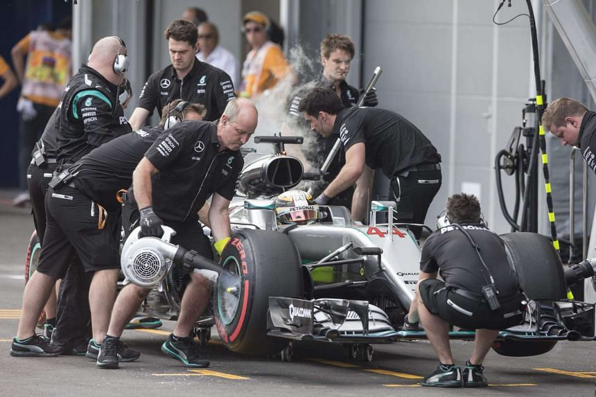 Hamilton makes a pit stop during the Baku qualifying session on June 18, 2016.