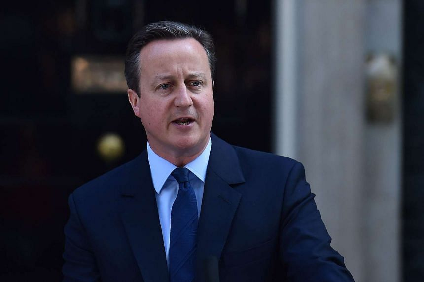 British Prime Minister David Cameron speaks to the press in front of 10 Downing Street in central London on June 24, 2016.