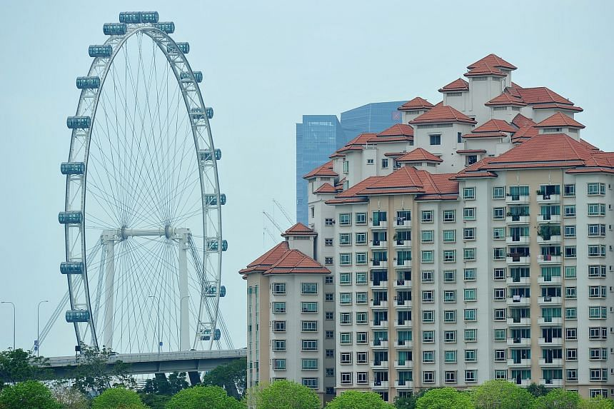Costa Rhu Condominium in Tanjong Rhu, with the Singapore Flyer in the background.