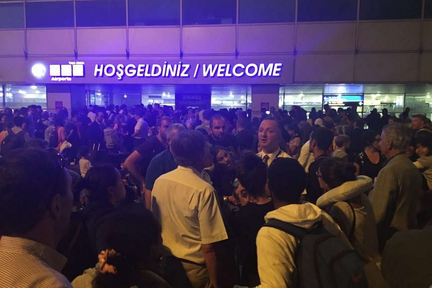 Massive crowds of fellow passengers greeted national runner Dipna Lim-Prasad at Istanbul's Ataturk Airport when she disembarked from her plane.