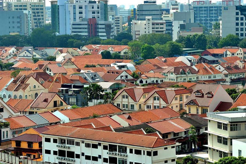 A few major banks have cut fixed and variable home loan rates by between 10 and 20 basis points. Homeowners who have had Sibor-linked mortgages would benefit directly from the recent drop in Sibor accordingly, a mortgage broker says.