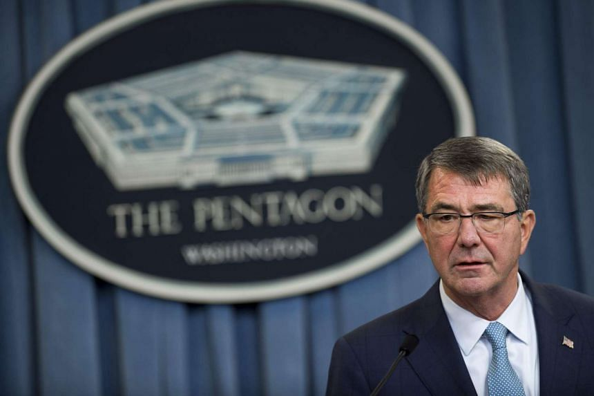 US Secretary of Defence Ashton Carter announces that the military will lift its ban on transgender troops.