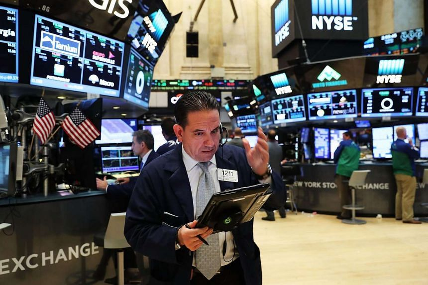 Traders on the floor of the NYSE at the close of the trading day on June 28, 2016 in New York City.