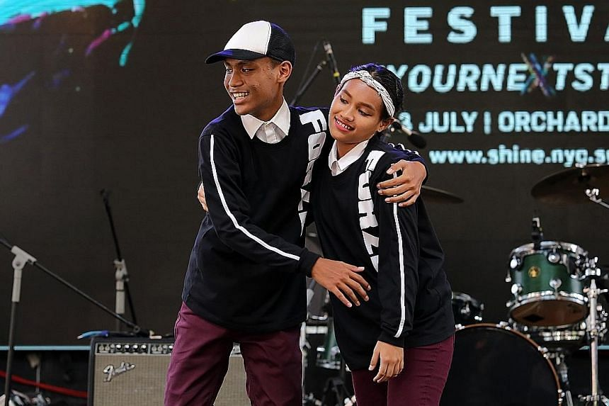 Siblings Andi and Dewi wowed the crowd with their self-choreographed hip hop dance item involving a medley of songs and different beats.