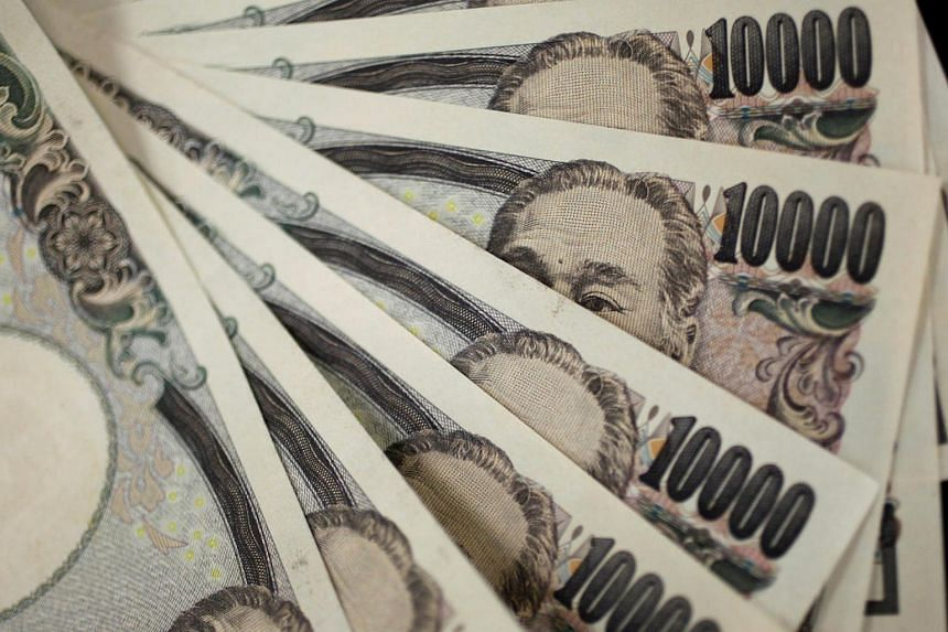 A picture illustration showing Japanese 10,000 yen notes.