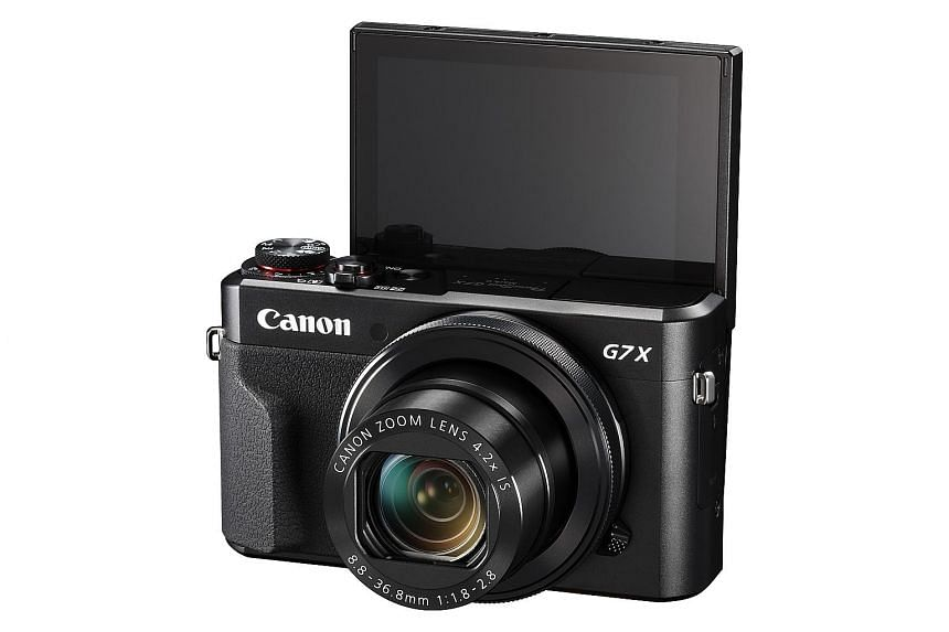 The Canon PowerShot G7 X Mark II's touchscreen display can now be tilted down to 45 degrees and flipped up 180 degrees.