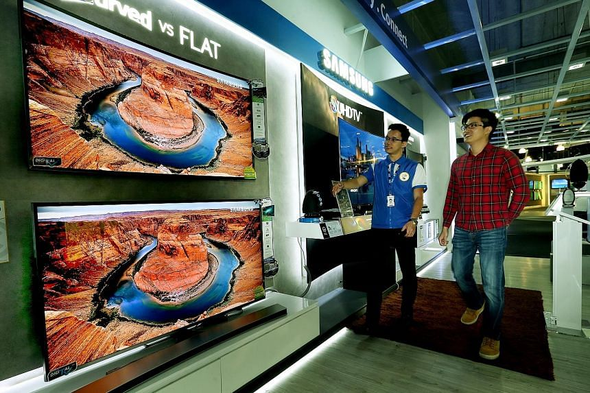 HDR TV sets display images that look closer to real life.