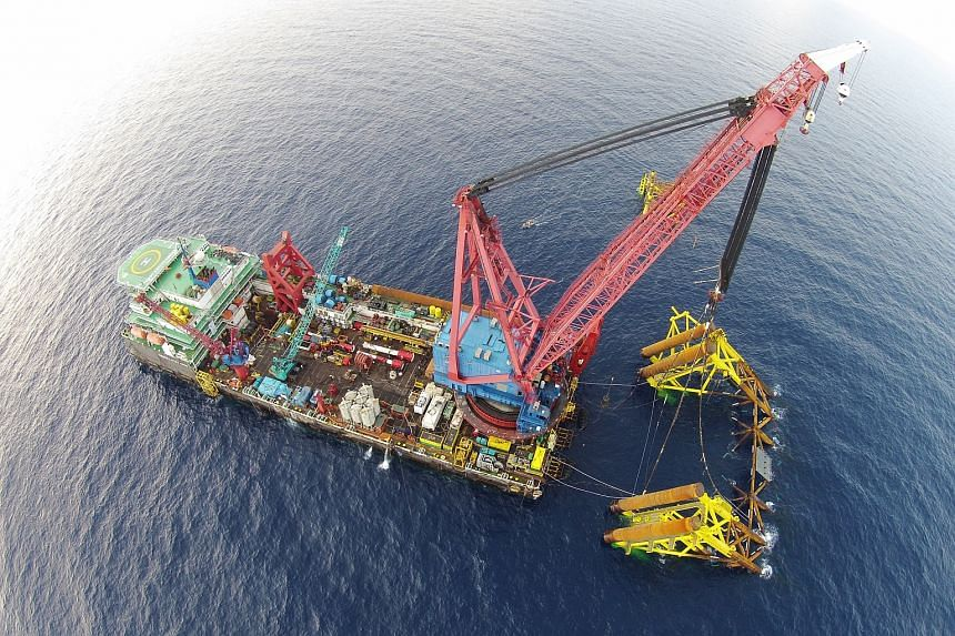 A Swiber float-over installation of a central processing platform in the Petronas-operated NC3 field development off Sarawak, Malaysia.
